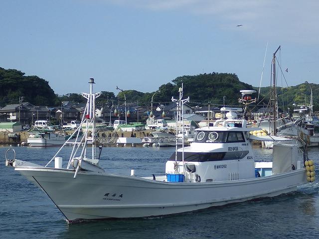 明石丸:福岡県・神湊港