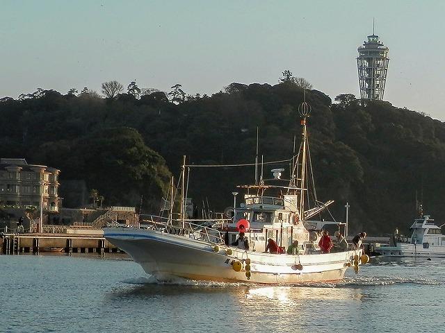 萬司郎丸:神奈川県・片瀬漁港